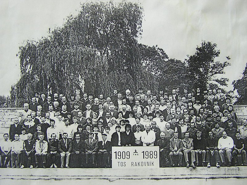 Period photograph of employees of TOS Rakovník (1989)